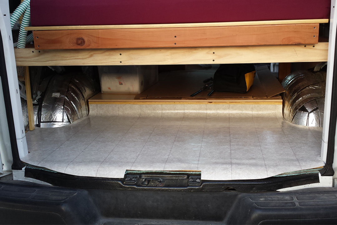trunk lined with vinyl